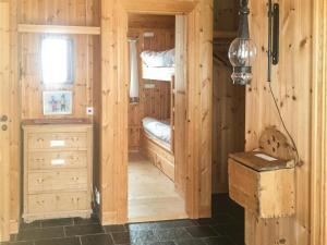 Four-Bedroom Holiday Home in Skabu, Holiday homes  Skåbu - big - 16