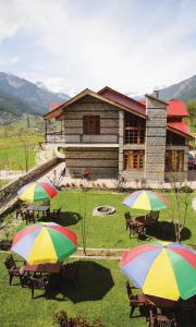 Scarlet cottages