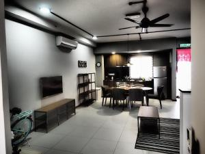 Lusso Suite Island Plaza, Apartmány  Tanjung Bungah - big - 4