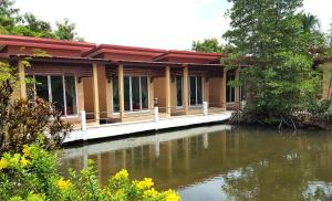 Best House Resort - Ko Bulon Le