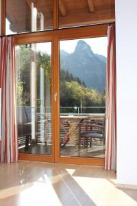 Ferienwohnungen Almrausch, Apartmanok  Oberammergau - big - 18