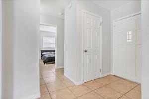 Prime Location , Private Pool , Located In Tampa, Dovolenkové domy  Tampa - big - 5