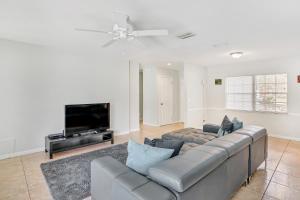 Prime Location , Private Pool , Located In Tampa, Dovolenkové domy  Tampa - big - 7