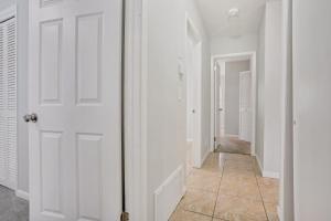 Prime Location , Private Pool , Located In Tampa, Dovolenkové domy  Tampa - big - 22