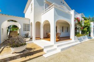 Menorca Villa Fenicia, Виллы  Son Parc - big - 44