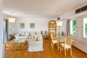 Menorca Villa Fenicia, Виллы  Son Parc - big - 37