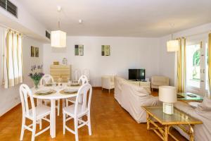 Menorca Villa Fenicia, Виллы  Son Parc - big - 24