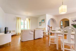 Menorca Villa Fenicia, Виллы  Son Parc - big - 23