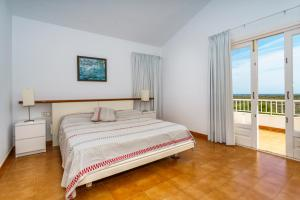 Menorca Villa Fenicia, Виллы  Son Parc - big - 20