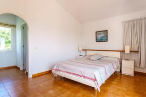 Menorca Villa Fenicia, Виллы  Son Parc - big - 12