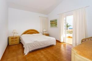 Menorca Villa Fenicia, Виллы  Son Parc - big - 50