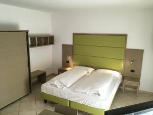 Villa Franca, Hotel  Nago-Torbole - big - 36