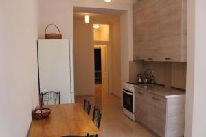 apartment, Apartmány  Tbilisi City - big - 22
