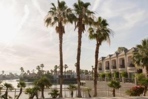 The Chateau at Lake La Quinta (18 of 36)