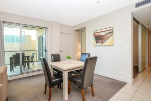 Pier Luxury Apartments, Apartmány  Adelaide - big - 24