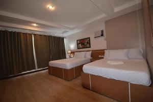 Robinland Vacation Home, Villas  Badian - big - 2