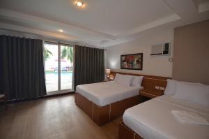 Robinland Vacation Home, Villas  Badian - big - 3