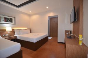 Robinland Vacation Home, Villas  Badian - big - 6