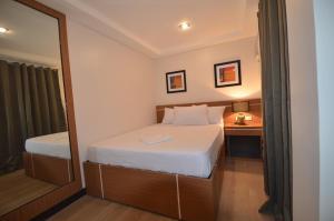 Robinland Vacation Home, Villas  Badian - big - 8