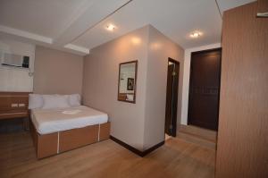 Robinland Vacation Home, Villas  Badian - big - 9