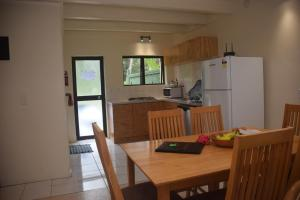 Avana Waterfront Apartments, Apartmanok  Rarotonga - big - 40