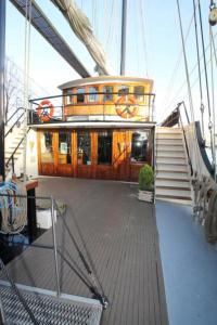 Old Sailing Boat Hotel