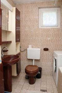Apartment Sreser 4557b, Apartments  Janjina - big - 10