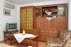 Apartment Sreser 4557b, Apartments  Janjina - big - 6