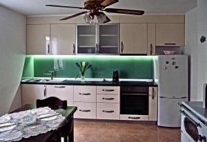 Apartment Sreser 4557b, Apartments  Janjina - big - 3