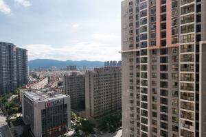 Grace Family, Apartments  Kunming - big - 30
