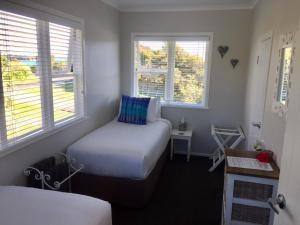 Kiwi House Waiheke, Bed & Breakfast  Oneroa - big - 7