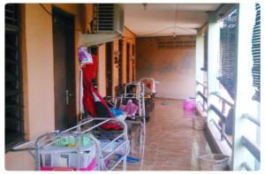 Kost Semarang Peterongan Timur, Penzióny  Semarang - big - 39