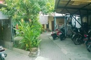 Kost Semarang Peterongan Timur, Penzióny  Semarang - big - 1
