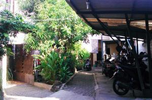 Kost Semarang Peterongan Timur, Penzióny  Semarang - big - 19