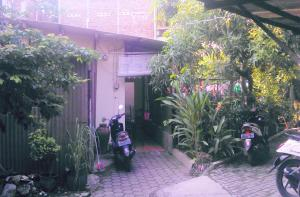 Kost Semarang Peterongan Timur, Penzióny  Semarang - big - 16