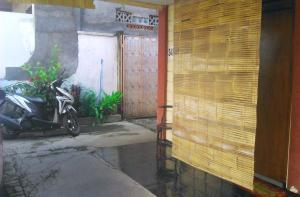 Kost Semarang Peterongan Timur, Penzióny  Semarang - big - 21