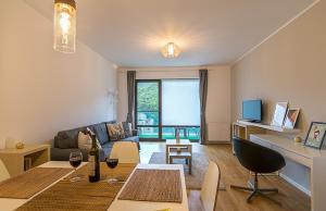 Tampa Gardens - Mountain View Apartment, Ferienwohnungen  Braşov - big - 7