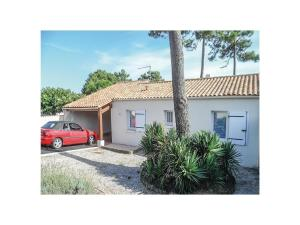 Two-Bedroom Holiday Home in La Tranche sur Mer, Ferienhäuser  La Tranche-sur-Mer - big - 1
