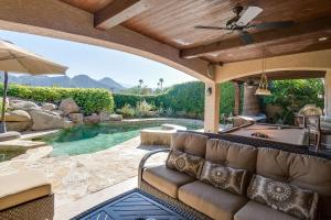 77455 Evening Star Circle Home Home, Holiday homes  Indian Wells - big - 18