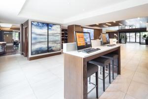 DoubleTree by Hilton Hotel & Suites Victoria, Hotels  Victoria - big - 63