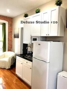 Deluxe Studio #10