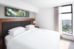 DoubleTree by Hilton Hotel & Suites Victoria, Hotels  Victoria - big - 4