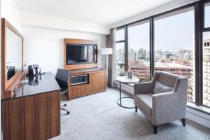 DoubleTree by Hilton Hotel & Suites Victoria, Hotels  Victoria - big - 34
