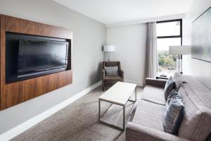 DoubleTree by Hilton Hotel & Suites Victoria, Hotels  Victoria - big - 30