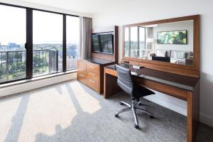 DoubleTree by Hilton Hotel & Suites Victoria, Hotels  Victoria - big - 27