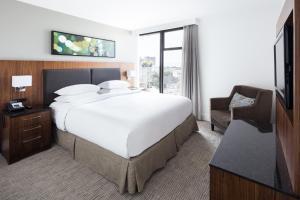 DoubleTree by Hilton Hotel & Suites Victoria, Hotels  Victoria - big - 23
