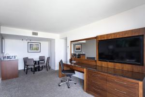 DoubleTree by Hilton Hotel & Suites Victoria, Hotels  Victoria - big - 22