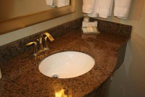 Hilton Garden Inn Charlotte/Concord, Hotels  Concord - big - 17