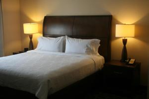 Hilton Garden Inn Charlotte/Concord, Hotels  Concord - big - 38