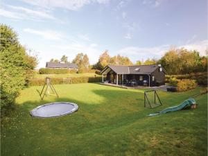 Four-Bedroom Holiday Home in Farevejle, Nyaralók  Fårevejle - big - 9